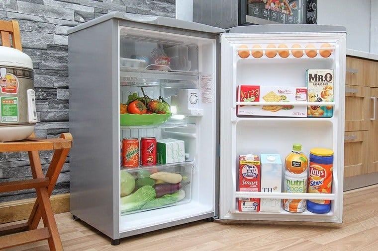 Tủ Lạnh mini có ngăn đá Aqua AQR-95AR (90 Lít)